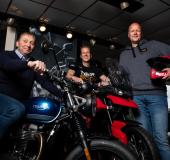 Roké zet Triumph motoren in de schijnwerpers